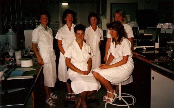 1988 Jannet,Marjan, Elly, Dinanda, Dirkje en Diny